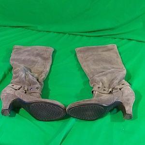 Aerosoles 7.5M gray leather stud knee high boots